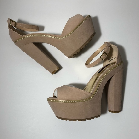 5068164ff57 New Women s Nude Ankle Strap Chunky Block Heel